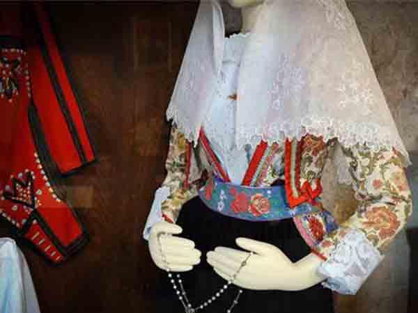 Museo-del-costume-e-della-tradizione-del-lino-Busachi