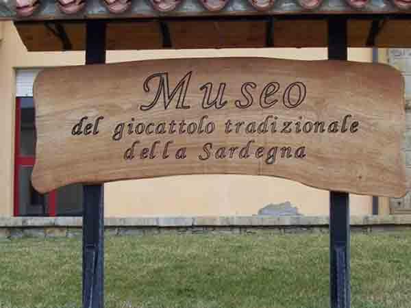 Museo-del-giocattolo-tradizionale-della-Sardegna-Ales